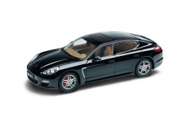 Porsche MODEL CAR PANAMERA TURBO 1:18