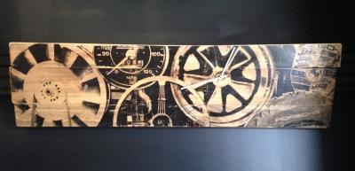 Porsche Iconography Clock
